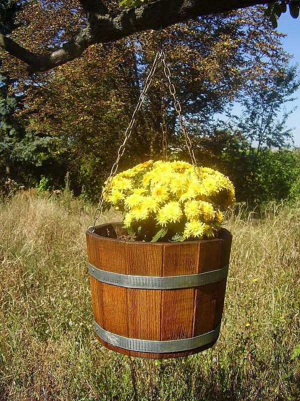 Blumenampel aus Holz, rund, mit Kette, 17x25cm   www.pflanzenkuebel.eu